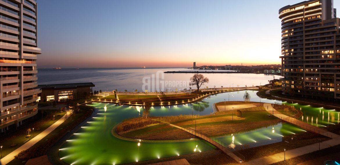 Luxury flats for sale with wonderful sea view in Istanbul Atakoy