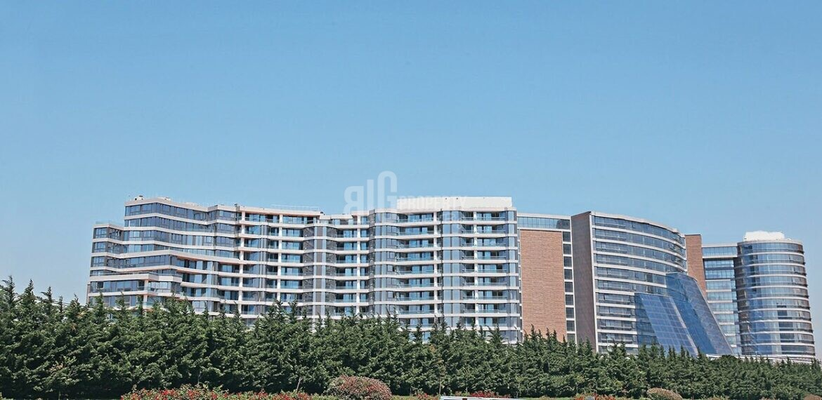 5 stars hotel comfortable apartments close to E-5 for sale Basin Ekspres Way İstanbul