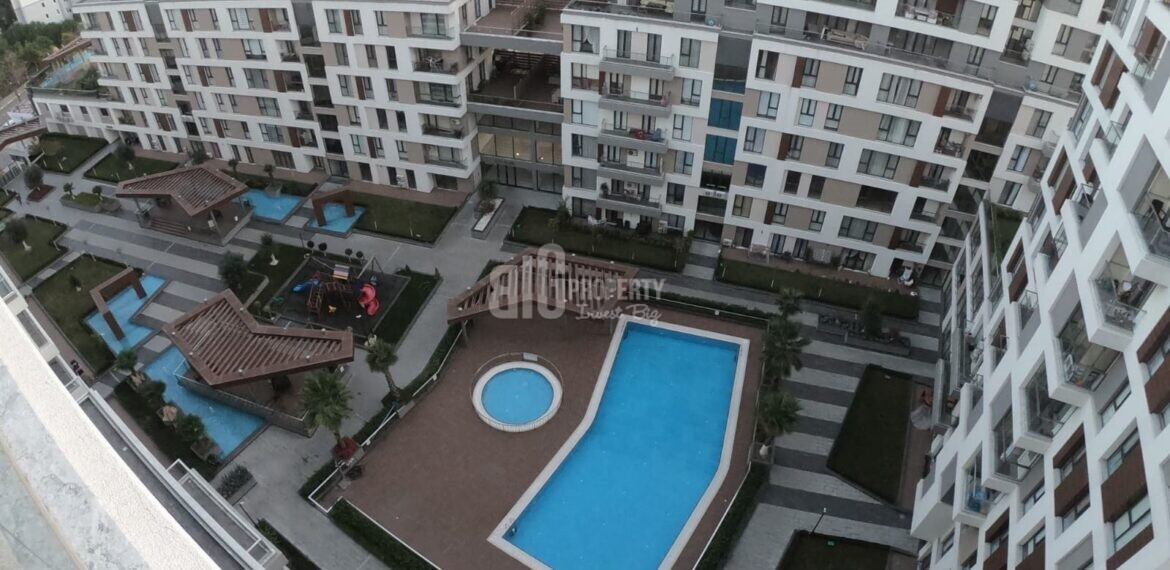 İstanbul West side real estate for sale with resale price connected metrobus in Beylikduzu